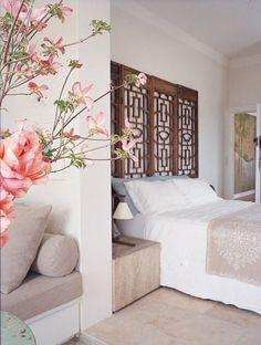 Ekstra væg = hygge-sæde i soveværelset