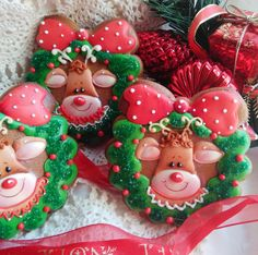 Cheery Rudolph in a Wreath cookies by Teri Pringle Wood, posted on Cookie Connection. They make me smile!