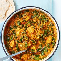 Try our healthy chicken curry recipe. This healthier curry bulks up on veg to keep the calories low. Freeze in portions for quick, midweek meals Indian Food Recipes, Asian Recipes, Low Calorie Recipes, Healthy Recipes, Simple Recipes, Healthy Foods, Vegetarian Recipes, Saag Recipe, Lentils