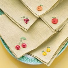 embellish cloth napkins