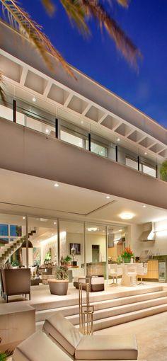 Residencia NJ by Pupogaspar Arquitetura