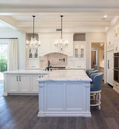 what everybody dislikes about kitchen design layout l shaped island and why - apikhome L Shaped Island, Design Living Room, Cuisines Design, Interior Design Kitchen, Kitchen Designs, Room Interior, Interior Livingroom, Beautiful Kitchens, Layout Design