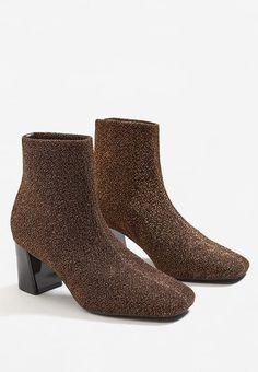 30ad64b3 Najlepsze obrazy na tablicy buty (38)   Shoe boots, Sock shoes i ...