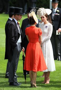 Crown Princess Mary of Denmark was seen chatting to the Duchess of Cambridge after the royals arrived at the racecourse by carriage. Princess Marie Of Denmark, Royal Princess, Crown Princess Mary, Prince And Princess, Princess Charlotte, Diana Spencer, Princesa Kate Middleton, Herzogin Von Cambridge, Estilo Real