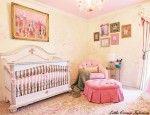 quarto de bebê rosa e amarelo