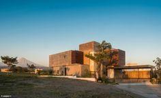 Casa Arbo / Di Frenna Arquitectos