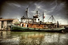 http://fc08.deviantart.net/fs49/i/2009/214/f/6/Boat_on_the_River_II_HDR_by_ISIK5.jpg