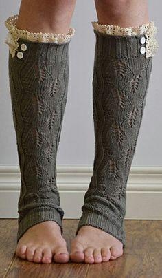Gray & Ivory Ruffle Leg Warmers // love this cozy winter idea!