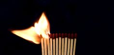 """""""Educare non è riempire un secchio ma accendere un fuoco"""".  – William Butler Yeats (1865 – 1939)"""