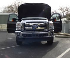 2013 F-250 Super Duty XLT Crew 4X4 works hard and travels with style.