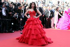 Aishwarya Rai - The Most Daring Gowns From the 2017 Cannes Film Festival - Photos (May 19, 2017 - Source: Neilson Barnard/Getty Images Europe)