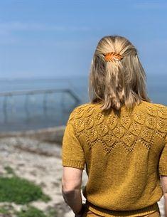 Sommer Ella Solo pattern by Lene Holme Samsøe Sweater Knitting Patterns, Lace Knitting, Knitting Stitches, Knit Crochet, Knitting Needles, Summer Knitting, Lion Brand Yarn, Mode Vintage, Pulls