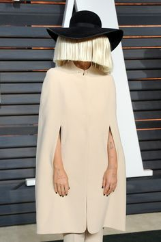 Pin for Later: Get Insider Access to Every Beauty Look From the Oscars Afterparties Sia Even though Sia showed off her gorgeous face at the Elton John Oscars viewing party, she was back in the wig for the Vanity Fair red carpet.