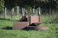#Bredenbek Aus einfachen, geometrischen Grundformen ist eine horizontal gelagerte Komposition wie ein Stillleben entstanden. Die einzelnen Körper sind aus Cortenstahl erstellt und enthalten teilweise kleine E...