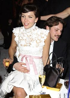 Peter Sarsgaard Photos Maggie Gyllenhaal, Yahoo Images, Image Search, Couples, Photos, Closet, Pictures, Armoire, Couple