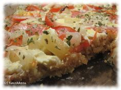 Helppo kasvis-juustopiirakka Pohja: 100 g suolakeksejä (esim. Tuc tai Pirkka) 30 g voita tai margariinia 1 dl vehnäjauhoja ½ dl ruoka- tai kevytkermaa Täyte: 1 rkl voita tai margariinia 200 g kevytsulatejuustoa 1 dl ruoka- tai kevytkermaa valkopippuria 1 kananmuna 1 tlk (n. 227 g) ananaspaloja 2 - 3 tomaattia 15 hillosipulia Pinnalle: oreganoa Muserra […]