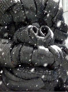 Eilisen Helsinki valokuvissani: Viikissä istui viisimetrinen gorilla. Kaikki oli mahdollista Helsinki, 1980s, Winter Jackets, Photography, Winter Coats, Photograph, Winter Vest Outfits, Fotografie, Photoshoot
