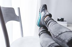 Shin splints can put an active person out of commission. This article identifies four simple steps to prevent shin splints so you don't have to slow down. Men S Shoes, Running Shoes For Men, Ladies Shoes, Shoes Uk, Nike Shoes, Sneakers Fashion, Fashion Shoes, Fashion News, Nike Run