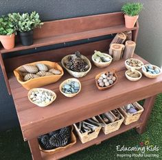 Loose parts, – Natural Playground İdeas Reggio Inspired Classrooms, Reggio Classroom, Outdoor Classroom, Infant Activities, Kindergarten Activities, Activities For Kids, Preschool, Childcare Activities, Play Spaces