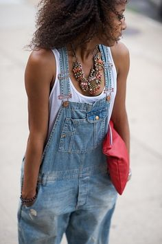 Please come back overalls. I heart you Trend Estate 2013 Salopette Jeans Must Have or Share your preferred looks on LoLoBu/Vote Salopette Short, Salopette Jeans, Overalls Outfit, Denim Overalls, Overalls Style, Denim Outfit, Denim Shirt, Chambray Shirts, Overalls Fashion