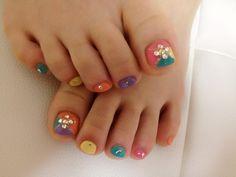 Pretty Pedicure Nail Art Ideas for 2012 Pretty Pedicures, Pretty Nails, Pretty Toes, Pedicure Nail Art, Toe Nail Art, French Pedicure, Toe Nail Designs, Nail Polish Designs, Palm Tree Nail Art