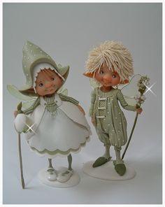 Al een tijd wou ik grappige kleine fairies boetseren ,en eindelijk zijn ze er .......de fairy puppets ze zijn tussen 6 en 7 cm hoog en...