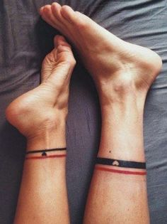 """""""Die Socken im Bett anbehalten."""" - Eine wahrlich schöne Idee für Partnertattoos. #relationshipgoals #partnerincrime"""
