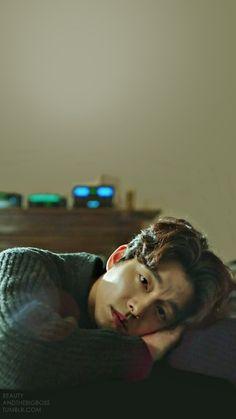 Las etiquetas más populares para esta imagen incluyen: background, goblin, Korean Drama, phone y gong yoo