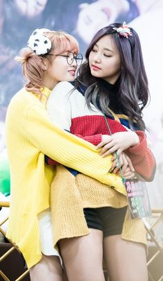 Read motzu from the story Ships de TWICE by dahyunthusiast (chaeng's dimples) with reads. twice, historiacorta, ships. Momo & Tzuyu i stan Bts And Twice, Twice Once, Twice Kpop, Nayeon, Kpop Girl Groups, Korean Girl Groups, Kpop Girls, Mamamoo, K Pop