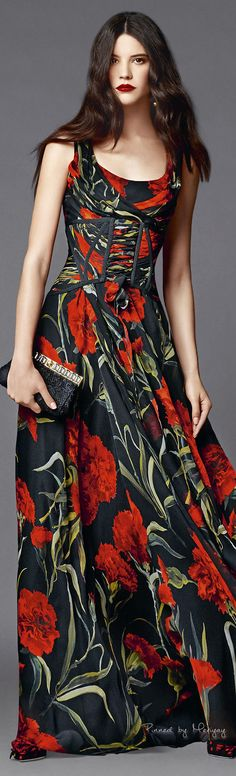 "♔Dolce & Gabbana.2015♔ I absolutely love carnations. Considered the ""peasant's flower"" and look at it now!"