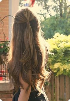 Best Easy and Chic Holiday Hairstyle Idea