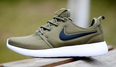 Nike-Roshe-two-running-shose-Iguana-Sail-Volt-Black-844656-200