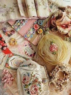 Vintage embellishments and fabric flowers. Vintage Lace, Vintage Sewing, Antique Lace, Vintage Stuff, Decoration Shabby, Couture Vintage, Art Du Fil, Passementerie, Ribbon Art