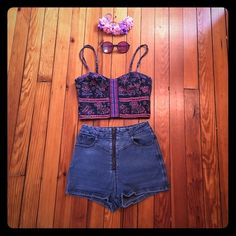 Floral Flirty Festival Bra Top Cute n' comfy perfect for summer nights at magical festivals! Adjustable straps, stretchy back and light material. Amazing condition and looks great with denim high waisted shorts! Go braless with this adorable piece! :) American Eagle Outfitters Tops Crop Tops