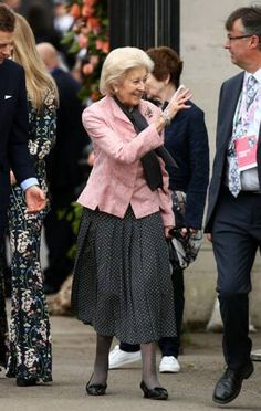Princess Alexandra, Princess Charlotte, Chelsea Flower Show, Diana, Green Floral Dress, Looking Dapper, Prince William And Kate, Royal Weddings, Back To Nature