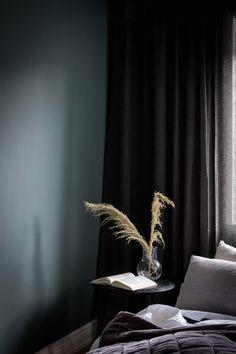 Dark Painted Walls, Dark Walls, Dark Bedroom Walls, Gray Bedroom, Dark Bedrooms, Dark Furniture, Kitchen Furniture, Rustic Furniture, Furniture Nyc