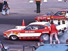 Bob Gliden, a class act all the way, really knew how to wring the most out of a small block Ford. Bob Glidden, Ford Pinto, Car Racer, Mustang Fastback, Drag Cars, Car Humor, Vintage Racing, Drag Racing, Hot Cars