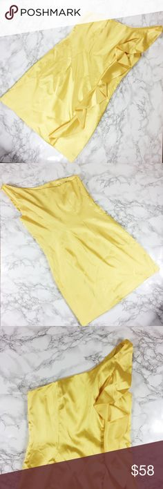 Yellow Laundry by Shelli Segal Dress with Ruffle Yellow one shoulder dress with ruffle detail down shoulder. Loose fit. Boning at sides. Missing sash. Laundry by Shelli Segal Dresses One Shoulder
