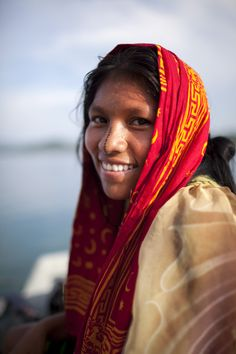 Kuna women also adorn themselves with face paint. Source: Reserveage Organics