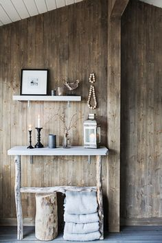 my scandinavian home: The rustic Norwegian cabin hide-away Interior And Exterior, Interior Design, Interior Stylist, Wood Home Decor, Deco Design, Scandinavian Home, House In The Woods, Sweet Home, Shabby Chic