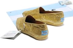 fresh and ready for your feet,TOMS shoes,god...SAVE 70% OFF! this is the best!   See more about glitter shoes, bridesmaid gifts and tom shoes.