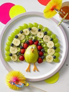 Kunterbunter pfau mehr paradis du fruit, food art for kids, food carving, h Cute Food, Good Food, Yummy Food, Healthy Food, Food Art For Kids, Food Kids, Creative Food Art, Creative Ideas, Rainbow Fruit