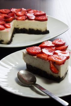 "Oreo & Erdbeer ""Quarkkuchen"" - ohne Backen - Vegan Glueckskind"