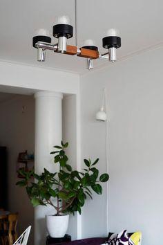 Kirppisrakkautta Tallit, Vintage Lamps, Lamp Design, Light Bulb Drawing