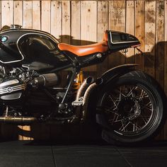 """"""" Living in the shadows """" R9T scrambler# roadster# 62 mentions J'aime Fancy Bike Thing (@fancybikething)"""