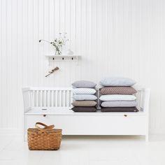 Truhenbank mit senkrechten Streben, groß in Weiß von Oliver Furniture, Seaside Collection