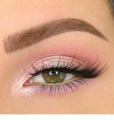 Eye make-up searches for your eye color Drawing 4 - their up Acce Pink Eye Makeup Looks, Smokey Eye Makeup, Pretty Makeup, Eyeshadow Makeup, Pink Eyeshadow, Pink Eyeliner, Subtle Makeup, Makeup Eyebrows, Natural Makeup