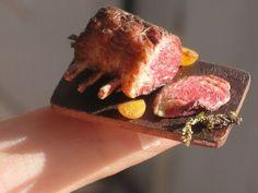 いいね!523件、コメント39件 ― Thaissさん(@minithaiss)のInstagramアカウント: 「Bite-sized Prime Rib #miniature #dollhouseminiatures #primerib #ribs #roast #roastbeef #meat…」