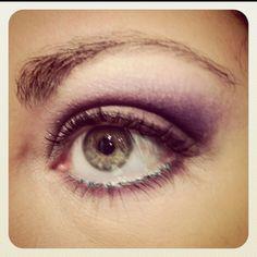 Simple, perfect for hazel eyes. Kiss Makeup, Makeup Art, Makeup Tips, Beauty Makeup, Hair Makeup, Hair Beauty, Purple Makeup, Purple Eyeshadow, Pretty Makeup