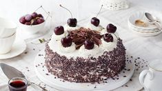 From Black Forest cake in Germany to kulfi in India, take a look at the 50 best desserts around the world. Healthy Dessert Recipes, Fun Desserts, Cookie Recipes, Oreo, Desserts Around The World, Gulab Jamun, Kulfi, Tesco Real Food, Black Forest Cake